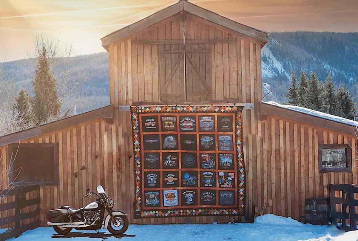 Стеганое одеяло из футболок Harley-Davidson продали 11 500 долларов