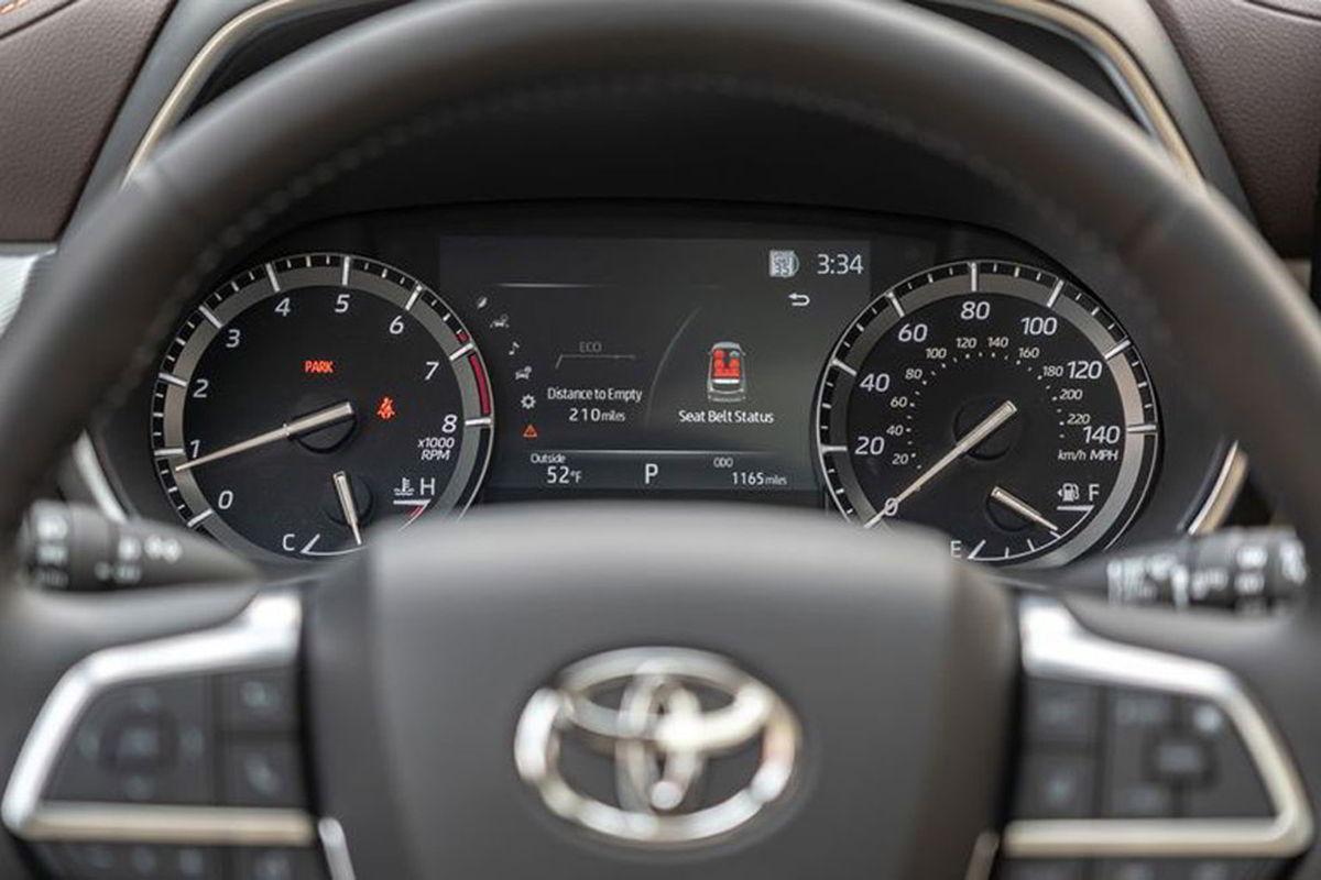 Honda Pilot vs Toyota Highlander
