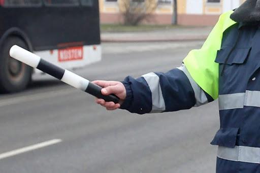 В Краснопольском районе у сотрудника ГАИ пытались забрать пистолет и его пожечь