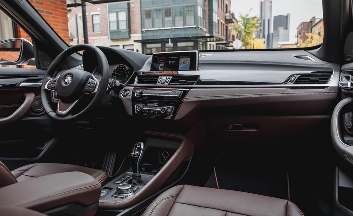 Audi Q3 vs BMW X1