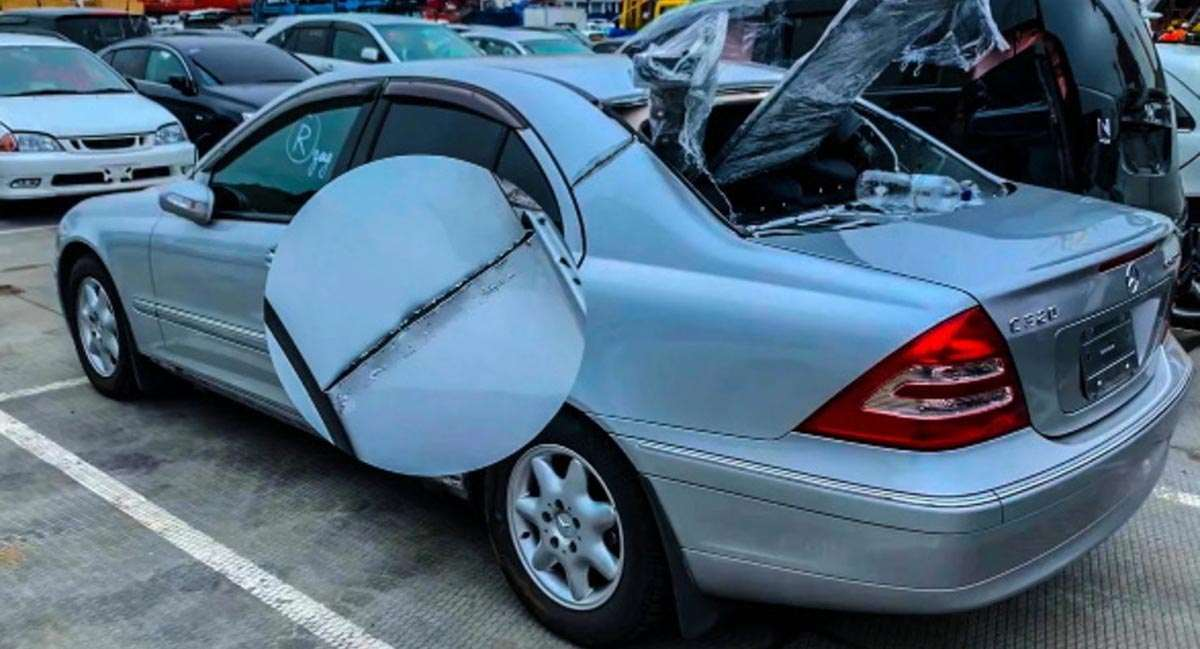 Автомобиль после распила