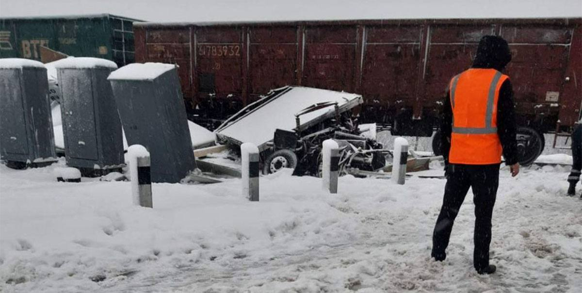 Iveco попал под поезд