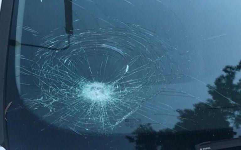 разбили лобовое стекло