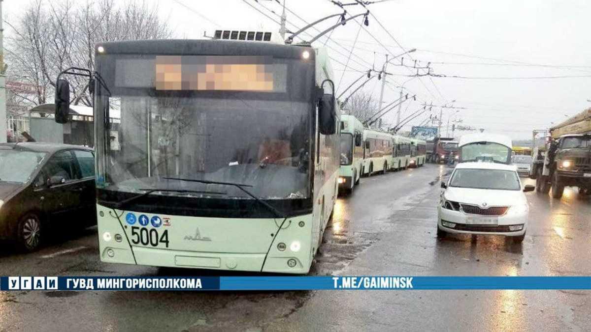 ДТП Iveco и троллейбуса