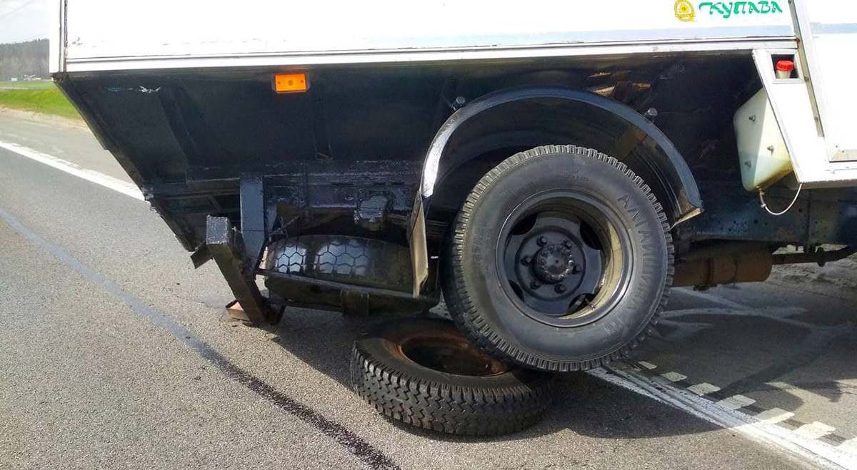 У ГАЗ отсоединились колеса