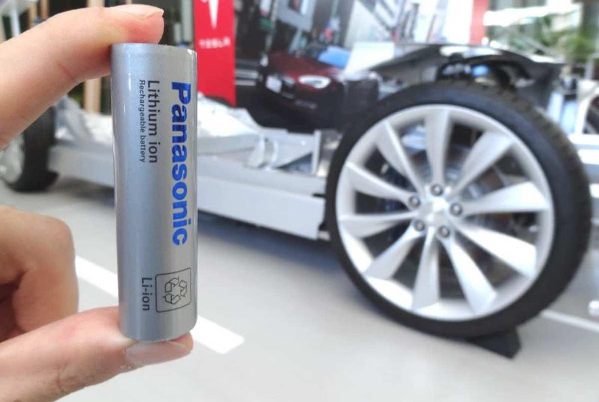 Tesla и Panasonic