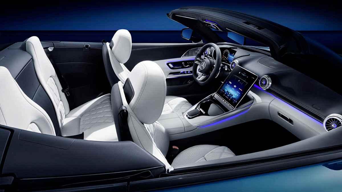 салон нового Mercedes SL