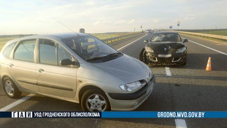 ДТП двух Renault на М6