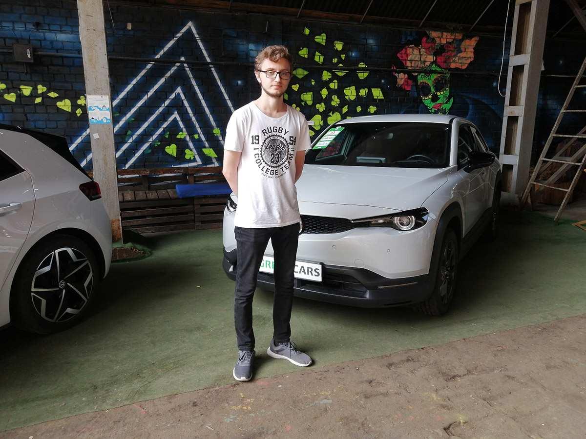 """Выставка электромобилей в """"Песочнице"""""""