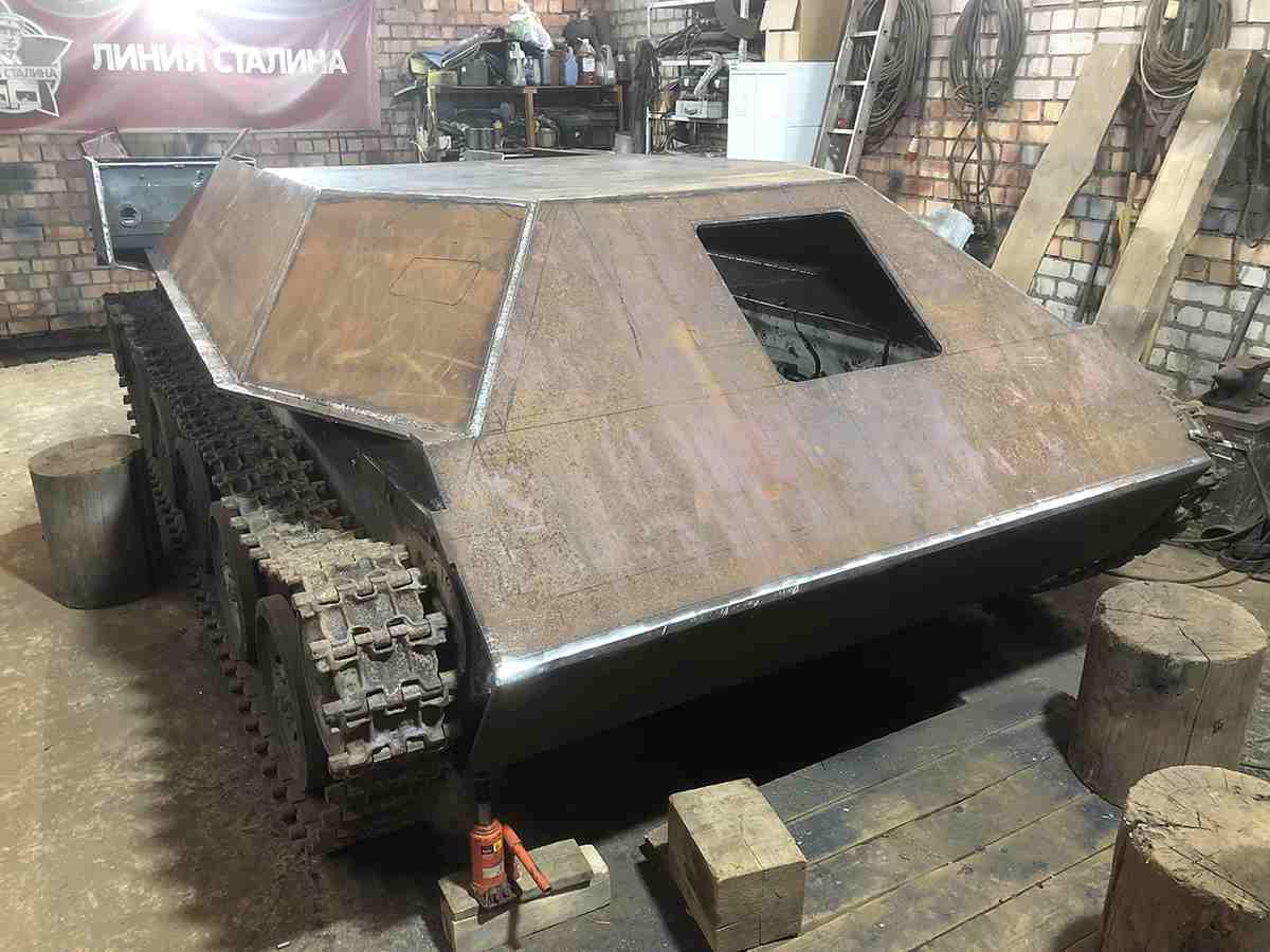Ходовой макет танка Т-50