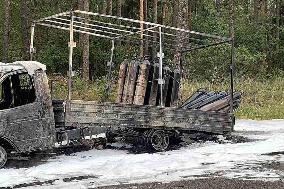 сгорел грузовик с баллонами