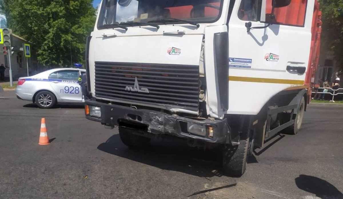 ДТП с мусоровозом в Бобруйске