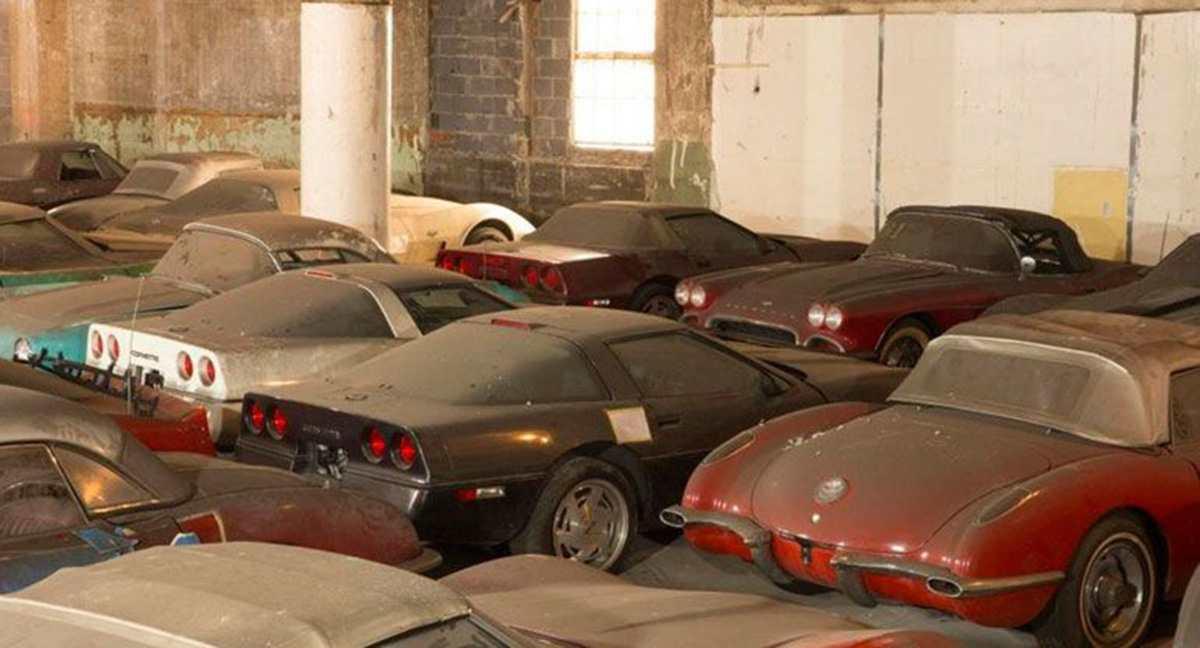 склад раритетных автомобилей
