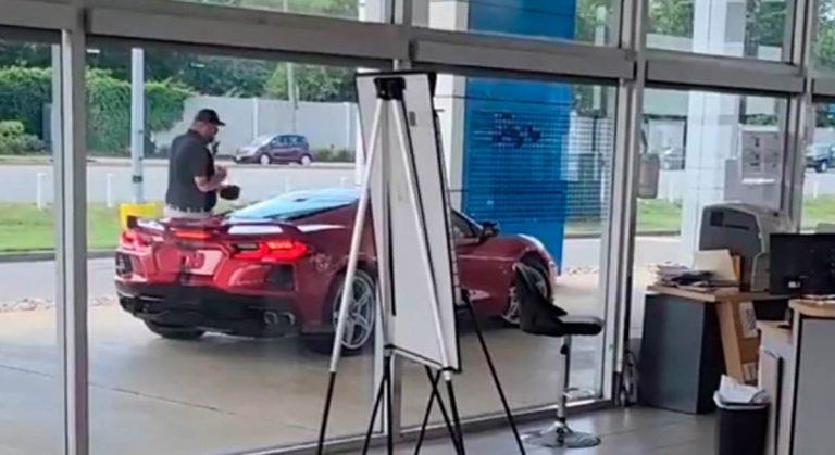 американец угнал Chevrolet Corvette Stingray