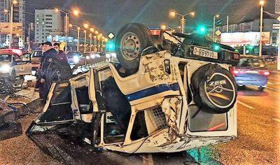 Патрульный УАЗ перевернулся на проспекте Дзержинского в Минске