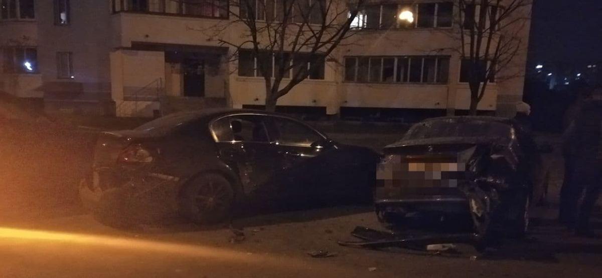нетрезвая бесправница повредила 5 авто
